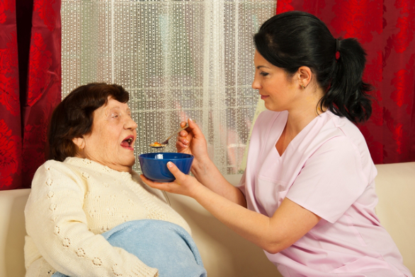 5 Signs That Show Your Loved One Needs Home Health Care Services